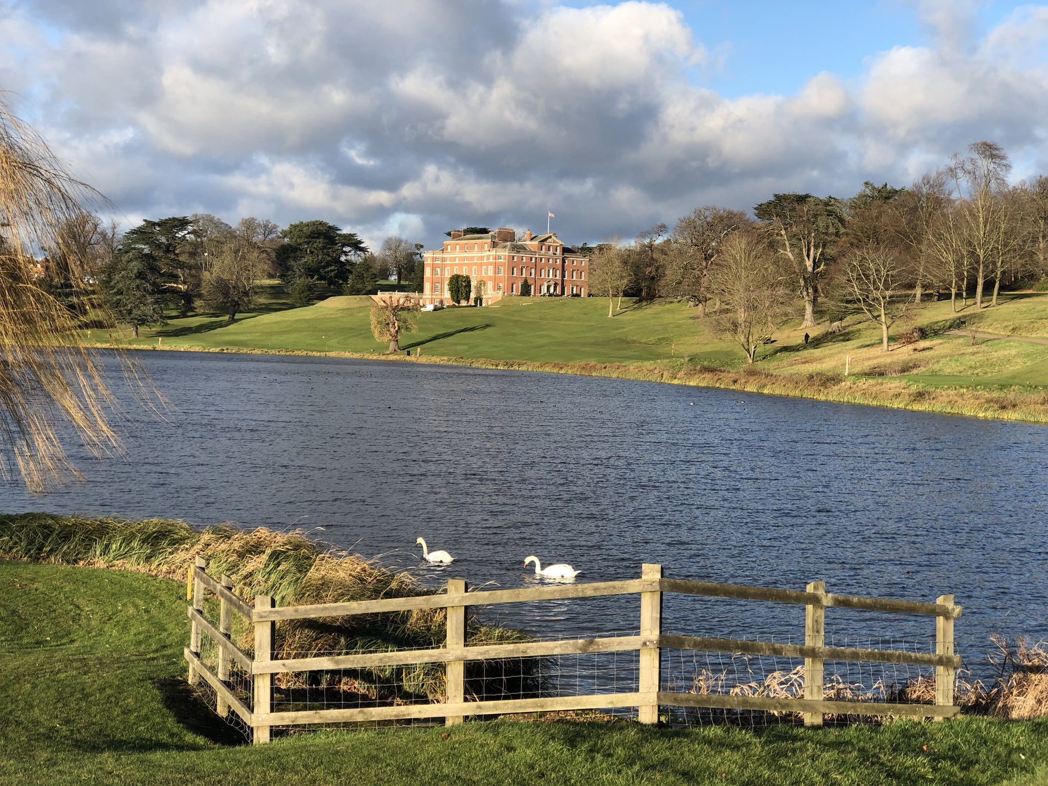 http://www.pexhurst.co.uk/wp-content/uploads/2017/12/Brocket-Hall-.jpg