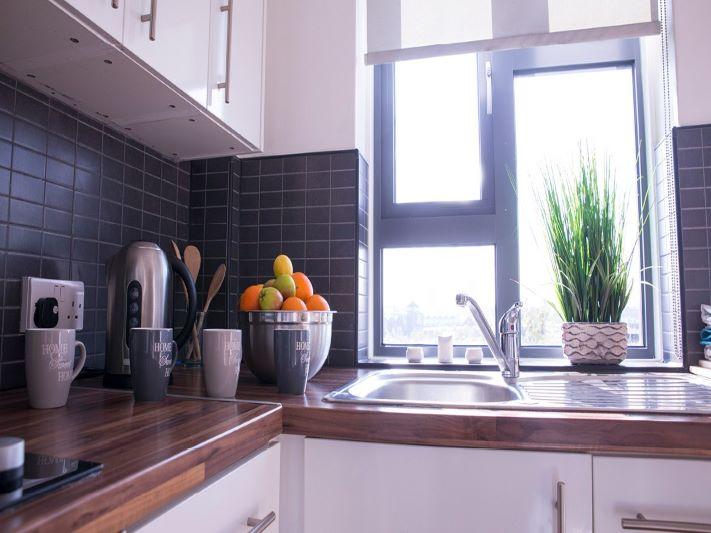 surrey-quays-landale-house-kitchen-4